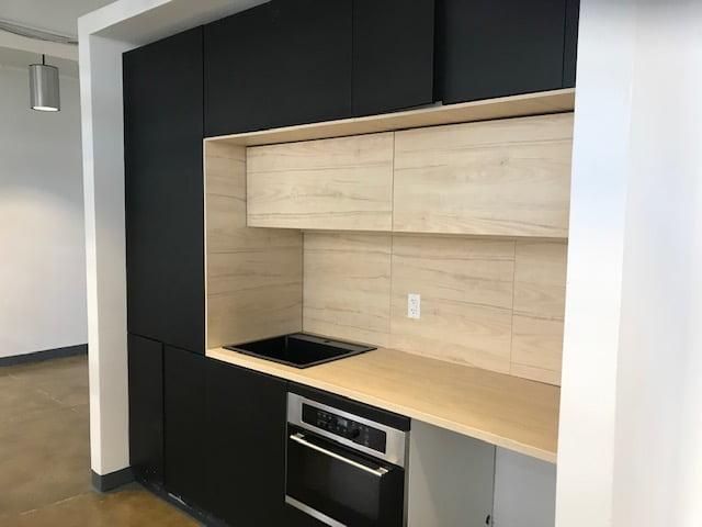 Kitchen / Bar space